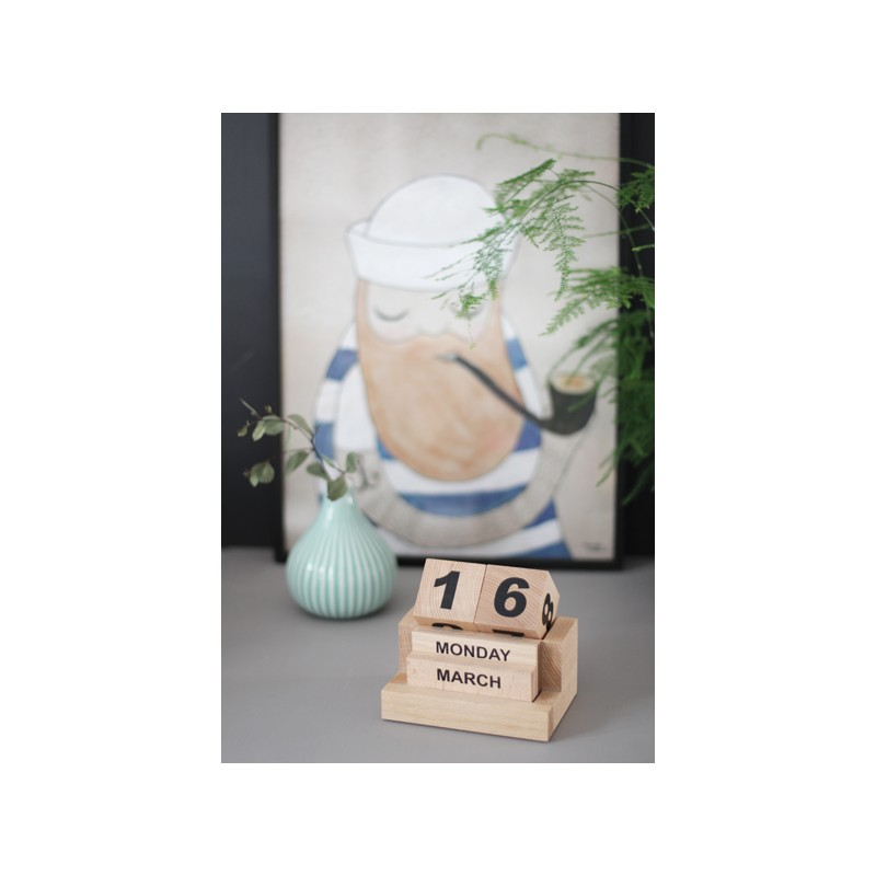 Ce petit calendrier perpétuel en bois est minimaliste à souhait, comme j'aime !
